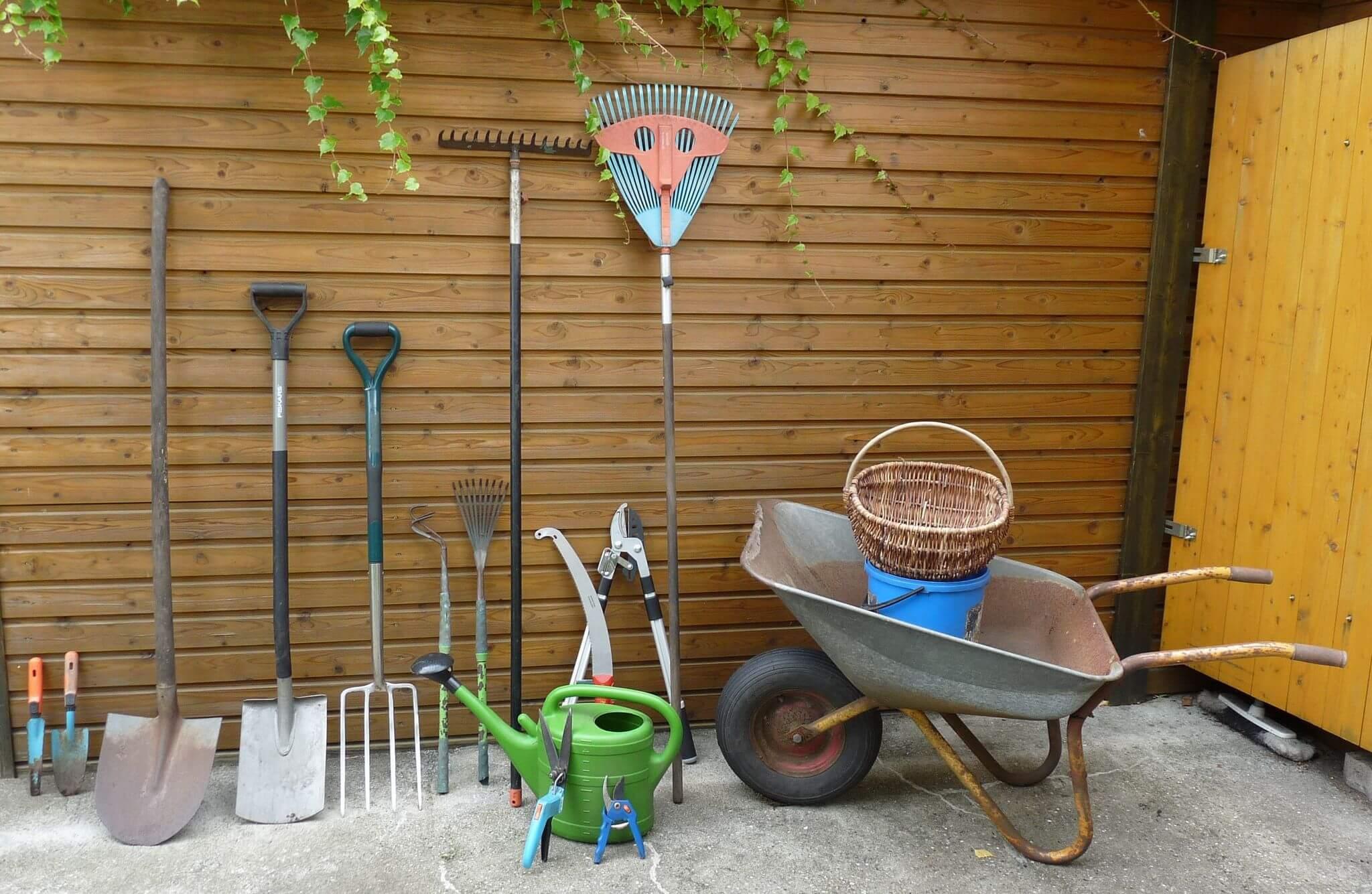 Wie pflege ich meine Gartengeräte richtig?